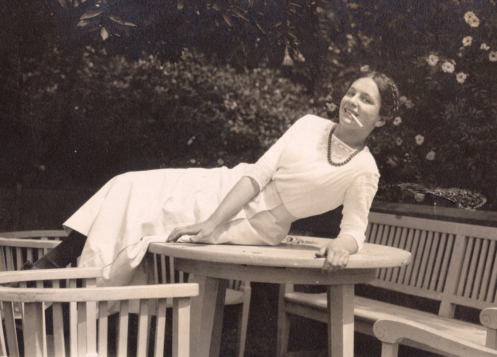 Eleonora as a teenager in Berlin, summer of 1914, © private collection.