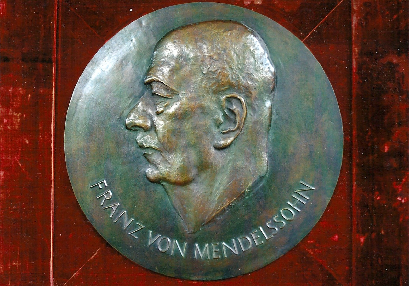 The Franz von Mendelssohn Medal issued by the Association of German Chambers of Commerce.  Fritz Klimsch, 1931. Image: Mendelssohn-Gesellschaft.